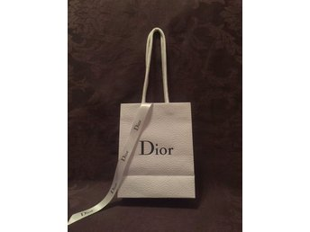 Dior papperskasse med band