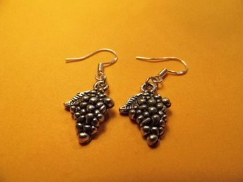 Vindruvor örhängen / Grapes earrings