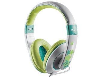 Javascript är inaktiverat. - Nossebro - Bekväma hörlurar för barn med hörselskyddsfunktion.- Inbyggd volymbegränsning; säkert för barnen- Volymkontroll på sladden- Justerbar huvudbåge- Bekväm passform med mjuka stora öronkåpor- För barn från 4 år och uppåtÖVRIGT:Fabr - Nossebro