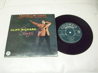 CLIFF RICHARD sings Travellin' light