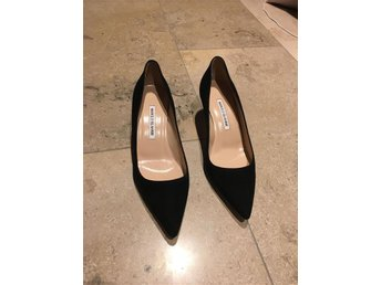Manolo Blahniks pumps!