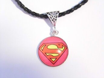 Supergirl Halsband / Necklace