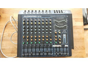 Yorkville Audiopro SP8 mixer med 2x250 w