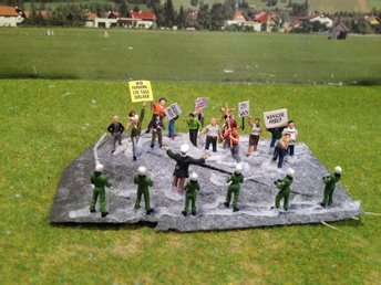 """Protestaktion"" - 1:87"