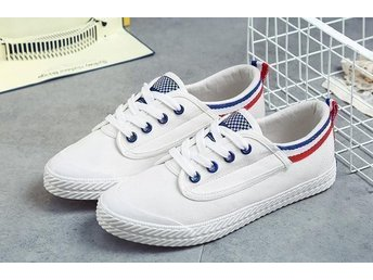 Studenter Damskor stl 38 White Canvas Shoes Casual British