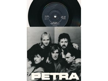"Petra - First love  7""PS"