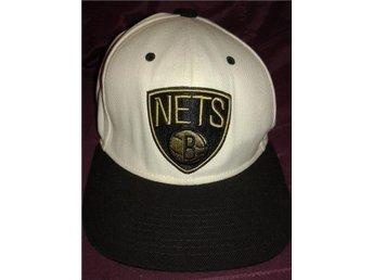 Vit och Svart Keps - Brooklyn Nets - Gävle - Vit och Svart Keps - Brooklyn Nets - Gävle