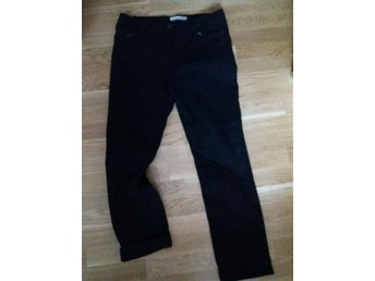 Svarta jeans Stl L (Regular fit)