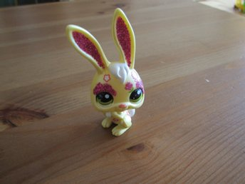 Littlest Pet shop Exclusive Chinese New Year Glitter Rabbit #2077