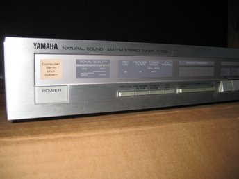 YAMAHA NATURAL SOUND AM/FM STEREO TUNER T-700