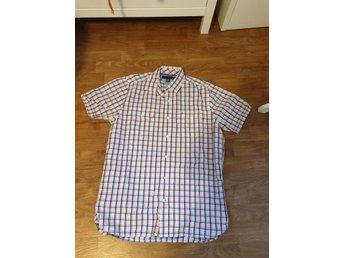 824bafeea80d Tommy Hilfiger Kläder ᐈ Köp Kläder online på Tradera • 1 606 annonser