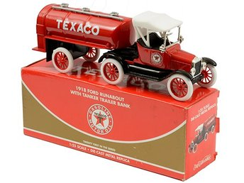 Texaco 1918 Ford Runabout with Tank Trailer Bank