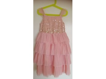 Köp Kjolar & klänningar flicka strl 122128 online på Tradera
