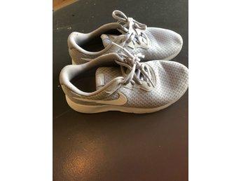 Nike skor stl 35 (399642273) ᐈ Köp på Tradera