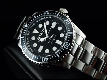 Invicta 43mm Man Submariner White Ocean Stingray Pro Diver Swiss ISA SS Klocka
