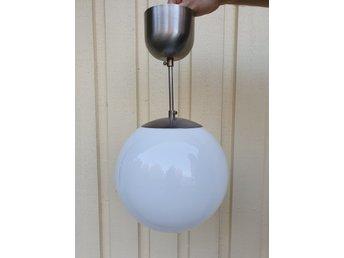 Funkis Stil Äldre IKEA FADO Klotlampa Taklampa Lampa Vit Glaskupa T9716 Retro