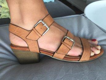 Nya Tamaris sandaler i läder , cognak tan nude st 40 - Norrköping - Nya Tamaris sandaler i läder , cognak tan nude st 40 - Norrköping