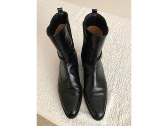 Boots, kängor, stövlett, skor. Svart skinn. St 38