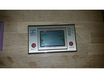 Parachute game and watch spel