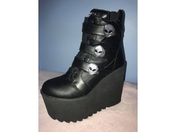 KILLSTAR - She's Out There Wedges Storlek 40