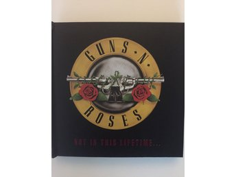 GUNS N ROSES - Not in this Lifetime Tour 2017 - VIP Limiterat Gift Pack