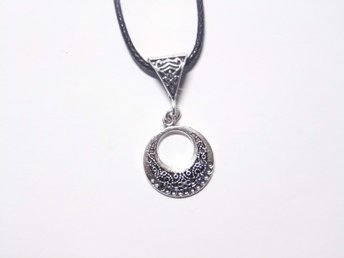 Cirkel halsband / Circle necklace