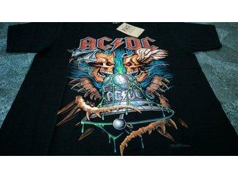 T-Shirt. Svart. Rock. AC / DC. Medium - Solna - T-Shirt. Svart. Rock. AC / DC. Medium - Solna