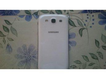 Samsung Galaxy s3 16gb olåst sprucken skärm - Sollentuna - Samsung Galaxy s3 16gb olåst sprucken skärm - Sollentuna