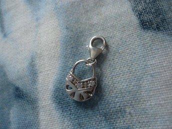 BERLOCK, Charm, hänge i äkta silver i form av en väska, bag med stenar, glas? - Stockholm - BERLOCK, Charm, hänge i äkta silver i form av en väska, bag med stenar, glas? - Stockholm