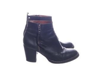 d0dc3bc6a05 Boots Cobler Scorett strl 37 svart skinn nitar .. (341970957) ᐈ Köp ...