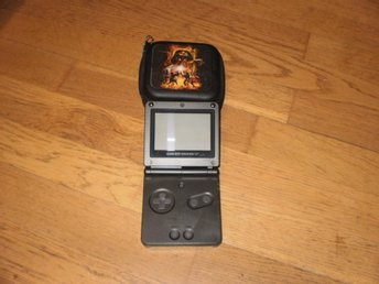 NINTENDO GAMEBOY SVART ADVANCE SP,,,,,, MED VÄSKA