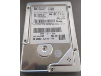 1998 - RARE - Hard Drive - Western Digital 24300 2311MB IDE
