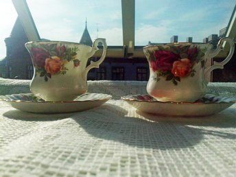 ROYAL ALBERT OLD COUNTRY ROSES  2 KAFFE KOPPAR
