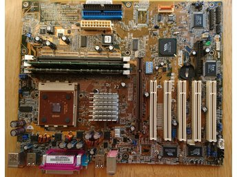 2001 moderkort ASUS Socket 462, + AMD Athlon XP 1900+