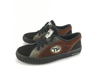 870d857a4a7a Sneakers   vardag ᐈ Köp Barnskor online på Tradera • 3 237 annonser