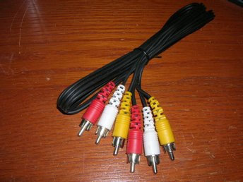 RCA audio+video kabel 1,5 m 2+1xRCA - 2+1xRCA