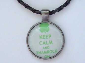 Keep Calm and Shamrock On Halsband / Necklace