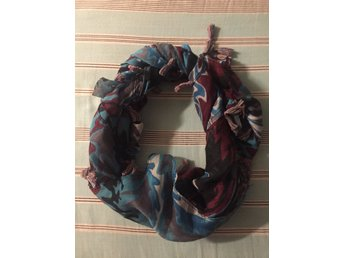 Ny härlig scarf (334703942) ᐈ Köp på Tradera 3a58f762aa9cd