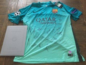 CL 16/17 FC Barcelona Messi.SINGNERAD av alla 24 spelare+Luis Enrique.TRÖJA+COA. - Sandviken - CL 16/17 FC Barcelona Messi.SINGNERAD av alla 24 spelare+Luis Enrique.TRÖJA+COA. - Sandviken