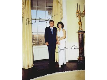 JOHN F. KENNEDY & JACQUELINE KENNEDY IN THE WHITE HOUSE PRE-PRINT AUTOGRAF FOTO