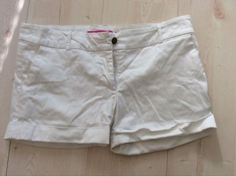 Vita shorts. Large. Rut m fl