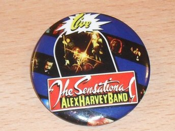 ALEX HARVEY BAND -Live! -STOR Badge / Pin / Knapp (Glam, Prog, Mud, Sweet,)