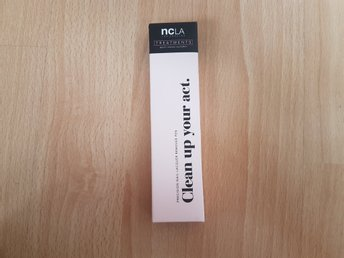 NCLA Treatments Clean Up Your Act - Professional Nail Lacquer Remover Pen