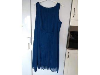 Klänning st 48 Mörkblå (415501626) ᐈ Köp på Tradera