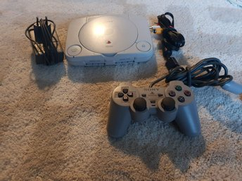 PLAYSTATION 1 ENHET SLIM BEG