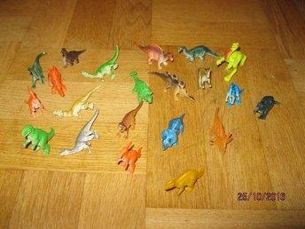 21 Stycken små Dinosaurier olika arter - Sävedalen - 21 Stycken små Dinosaurier olika arter - Sävedalen