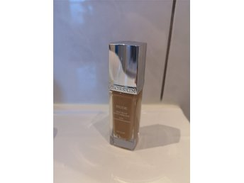 Diorskin Nude Fluid Foundation 030 medium beige
