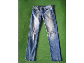 Jeans stl 134 H&M slitna håliga jeans stretch jeans - Stockholm - Jeans stl 134 H&M slitna håliga jeans stretch jeans - Stockholm