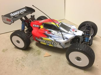 Team Associated RC RTR radiostyrd off road buggy RC8.2E NY!!