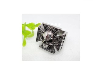 Iron Cross Skull Ring.